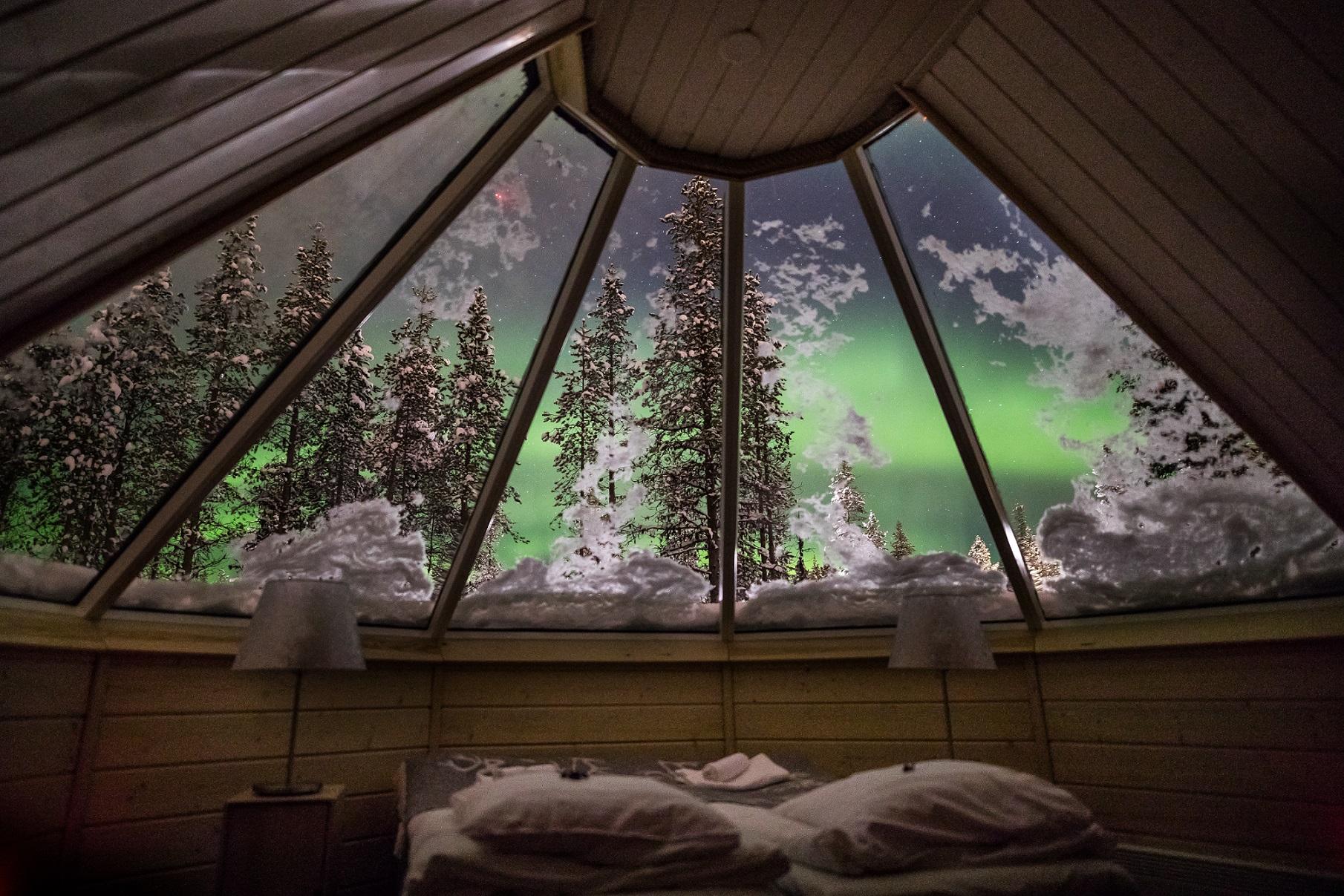 Aurora Cabin Glass roof