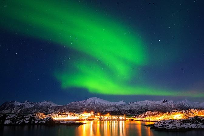 Northern Lights over Hamn i Senja 4 2