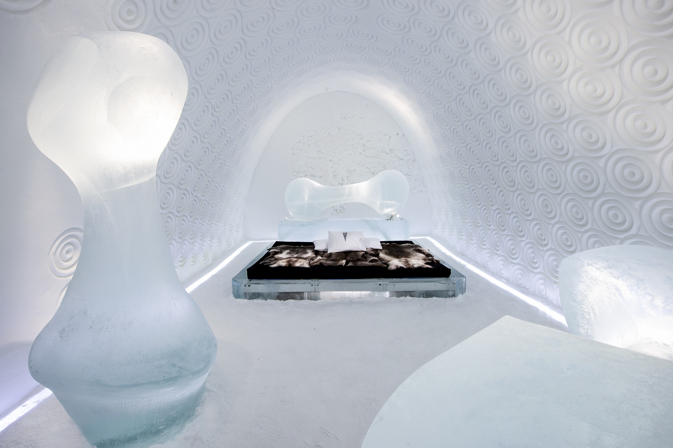 RESIZED Bone Room Design Rob Harding Photo Asaf Kliger Icehotel 2of2