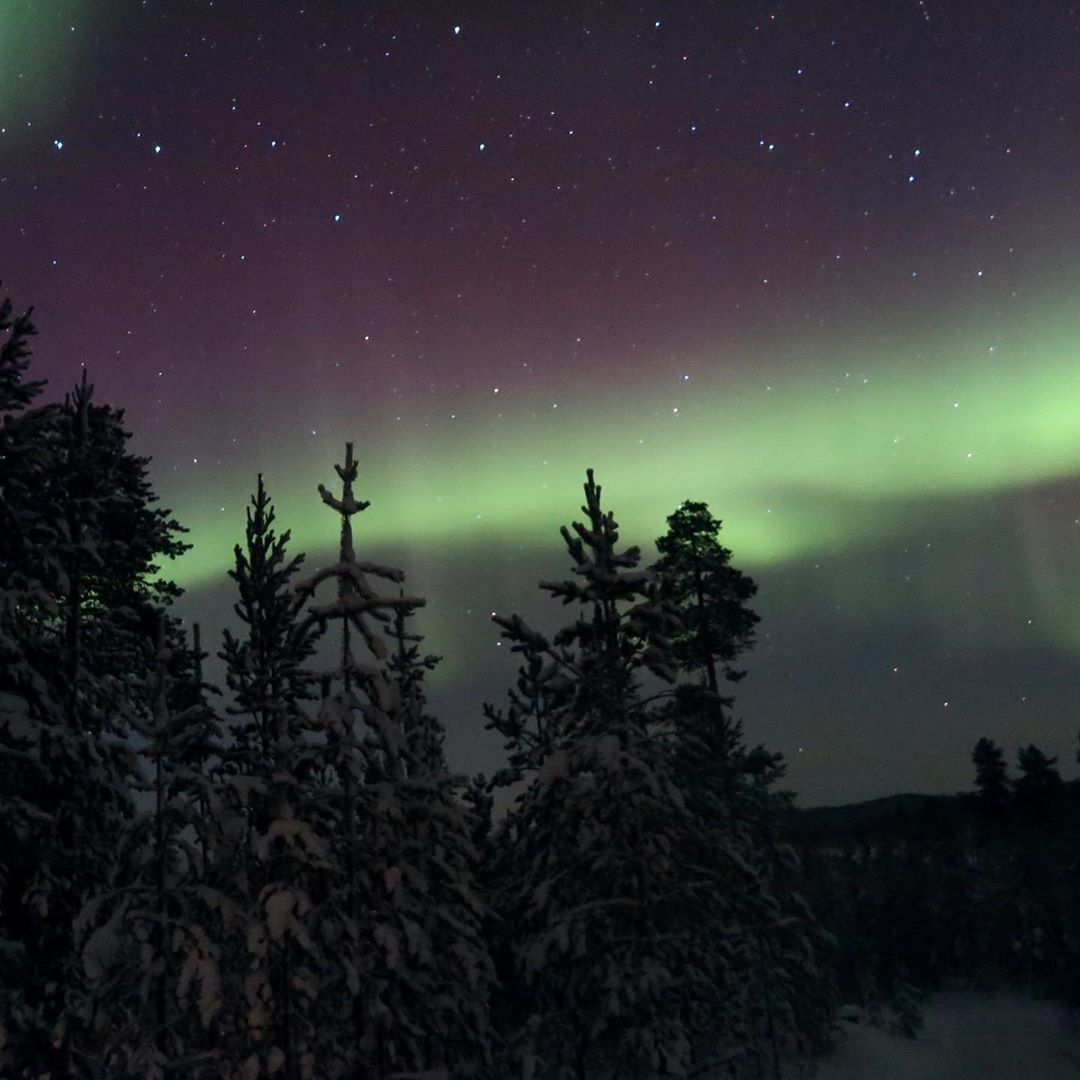Tracey Roy Cooper 7 Wilderness Hotel Inari Autumn Lights over Lake Inari AuroraZoneMoments