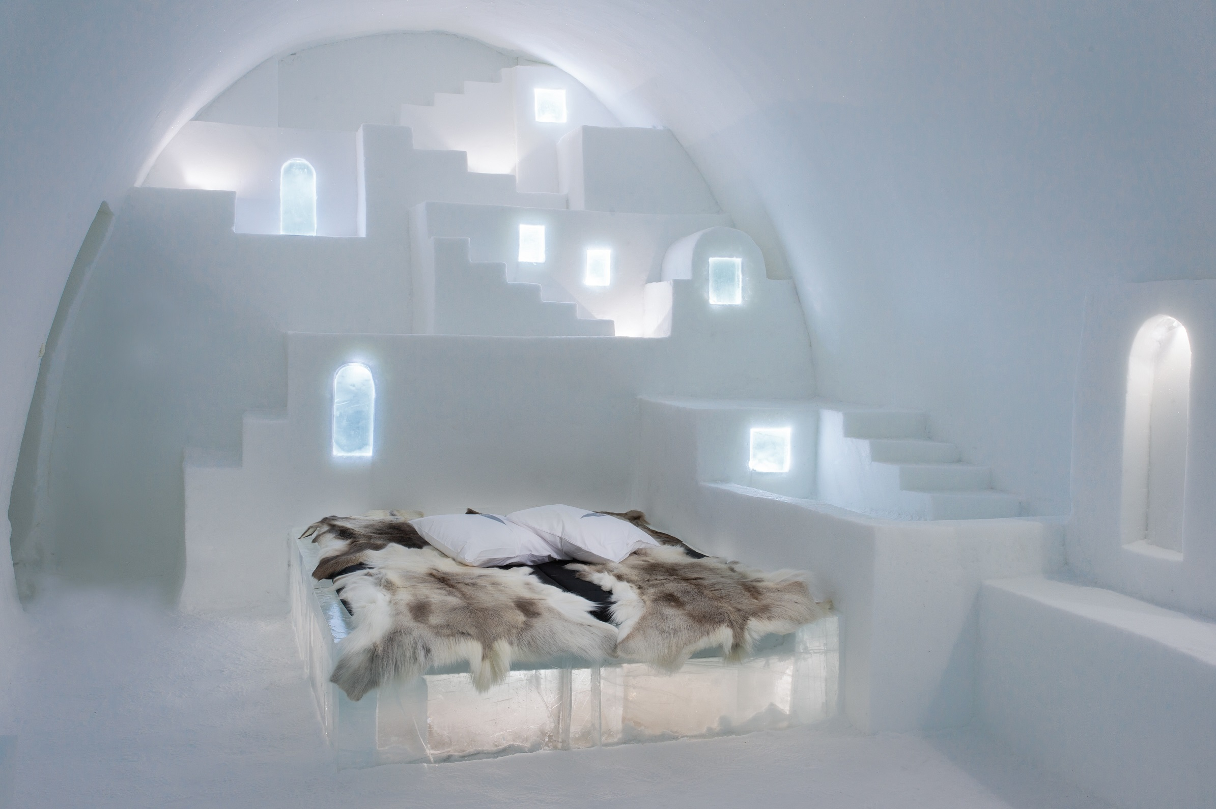 White Santorini Credit Haemee Han Jae Yual Lee Asaf Kliger Icehotel