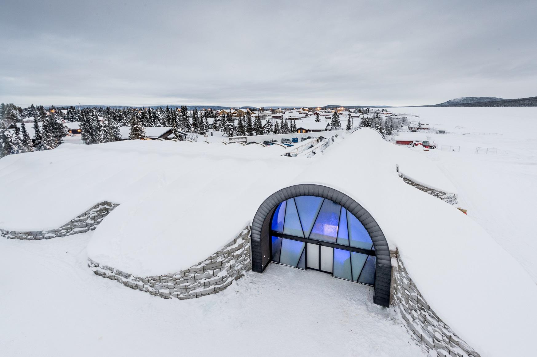 entrance icehotel 365 Photo Asaf Kliger www.icehotel 2