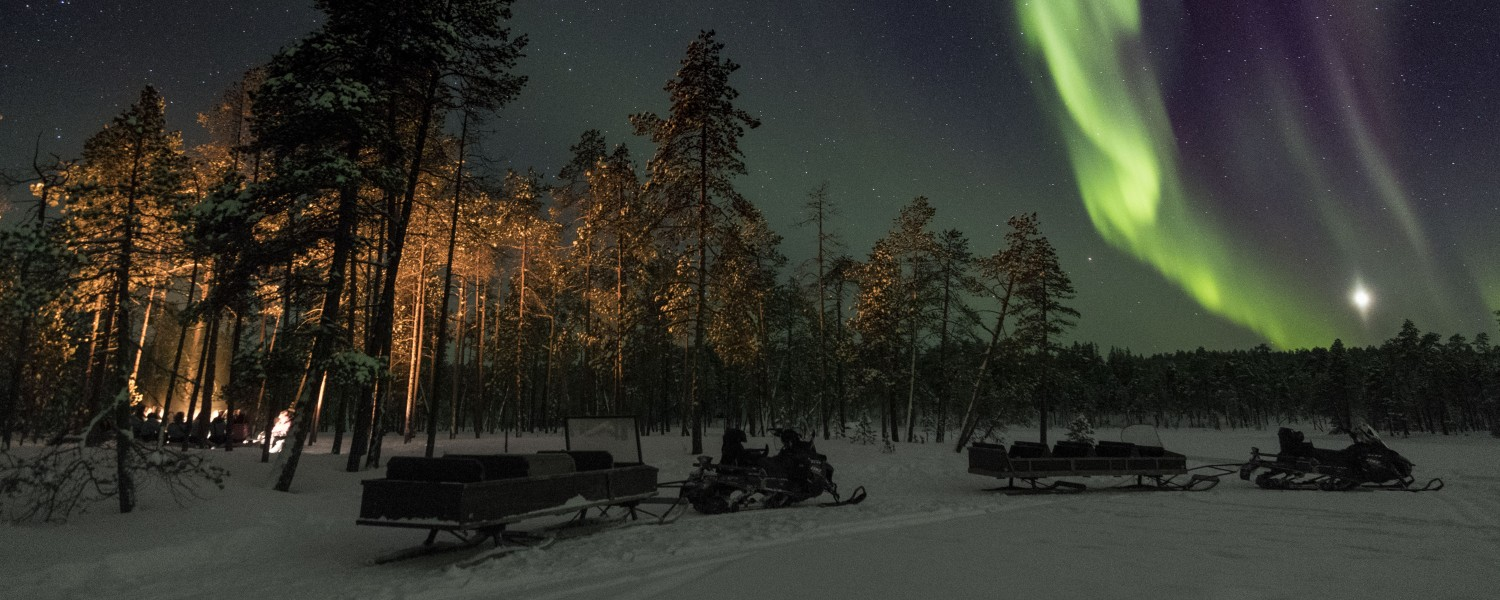 Nellim - Northern Lights over Lake Inari